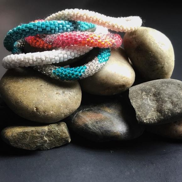 Lilly Laura Jewelry 5piece Rollon Nepal Glass Bead Bracelet Set